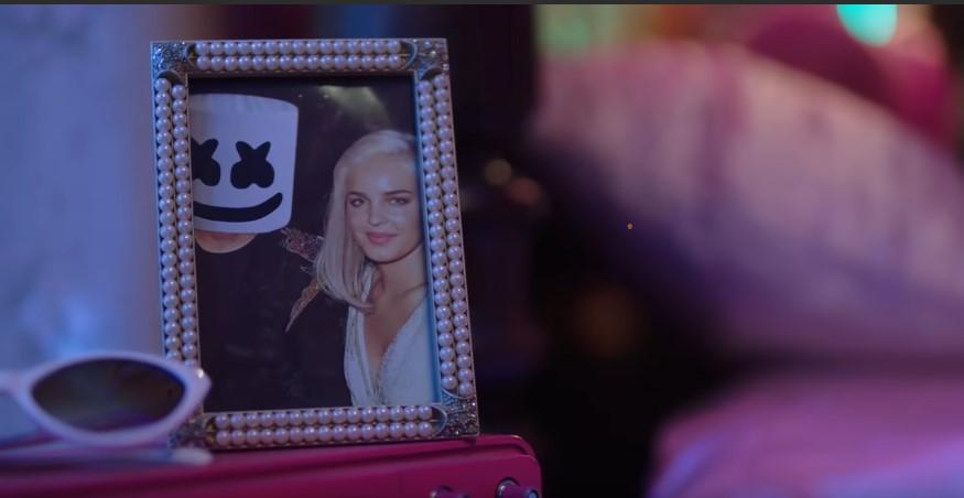 хочу покончить с собой маршмеллоу фото рамка с девушкой