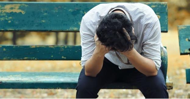 Одиноким людям сложнее противостоять нападкам